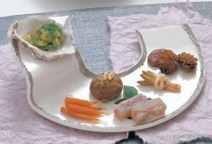 松毬常節 手毬鮪辛味噌和え 桜花小鯛 土筆白和え 白魚雲丹真砂 浅蜊・独活木の芽和え