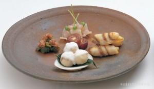 鯛・筍手綱焼 凍み蒟蒻奈良漬 干柿文銭チーズ 蛤新じゃが芋ムース包み 蕗の薹煮浸し
