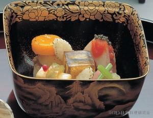 菱の実紅葉膾 次郎柿砧巻 赤芋茎・揚麩有の実和え 長芋・薩摩芋南瓜焙り 凍り蒟蒻琥珀寄せ