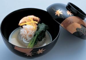 お椀 白味噌仕立 炙り松茸