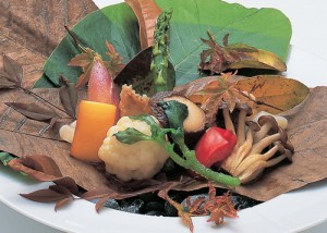 銚子赤むつ地野菜朴葉盛り
