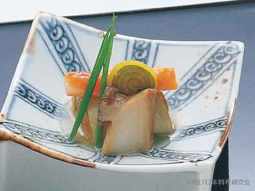 重ね雲丹湯葉巻、秋味小袖寿司、蒸し鮑、鳴門沢庵