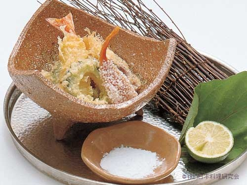岩牡蠣カダイフ巻、才巻海老青パパイヤ巻、小茗荷チーズ巻、干子新挽揚