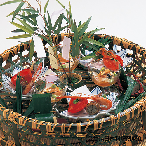 汲み上げ湯葉、姫蕃茄子西京漬、鱚笹巻寿司、万願寺揚浸し、穴子八幡巻