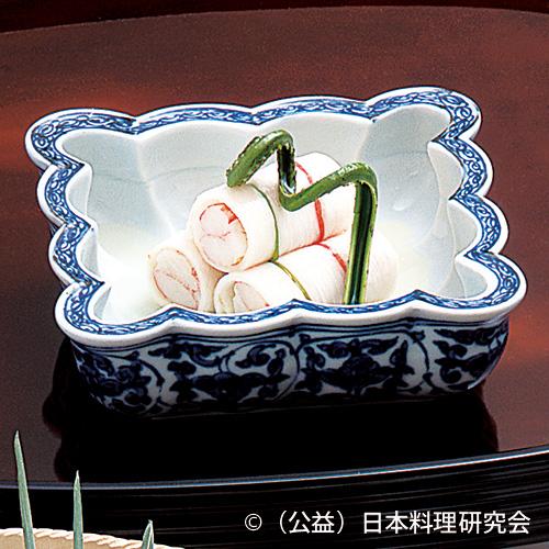 松葉蟹長芋糸巻、果実ドレッシング
