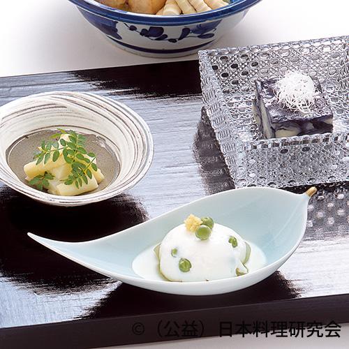 ホワイトアスパラ木の芽和え、茄子ゼリー寄せ、豌豆牛乳豆腐