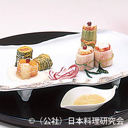 蟹奉書巻、紅鮭菊花巻、柿・梨市松