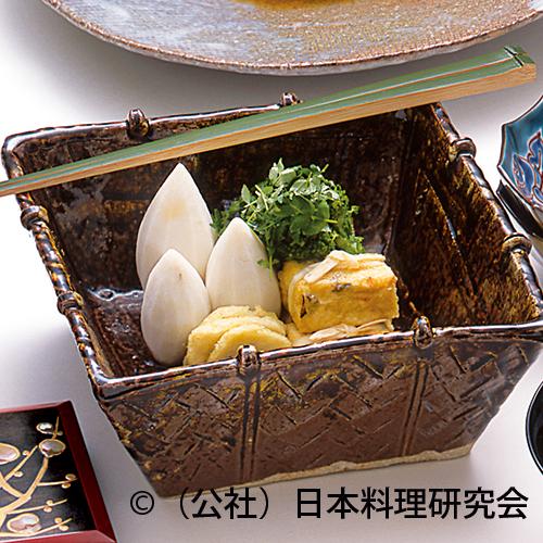 身欠き鰊山椒煮、名残海老芋、湯葉袱紗包み