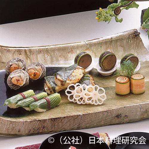 鰆桜香味噌焼、姫栄螺雲丹焼、桜鱒・チーズ鳴門