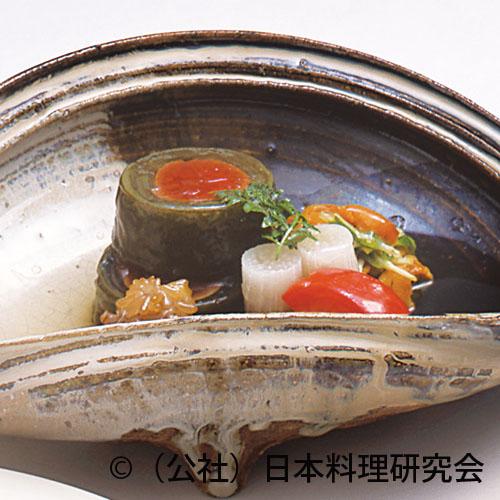 桜肉昆布巻、飯蛸柔か煮、雲丹・本三つ葉沢煮