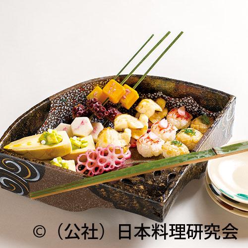 桜鯛桜香焼、才巻海老手毬寿司、筍木の芽和え(sample)