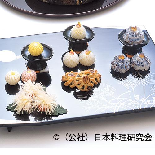 百合根饅頭、細魚菊花鮨、菊花蕪、管物菊チーズ、鰻パイ包み焼