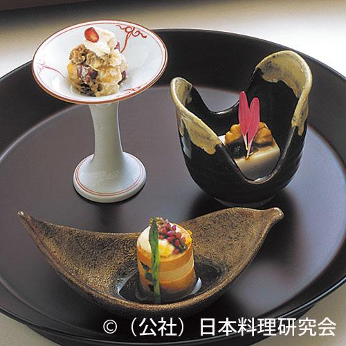 鮟肝柚庵蒸し、胡桃豆腐、柿・梨・近江蒟蒻利休麩リコッタチーズ和え