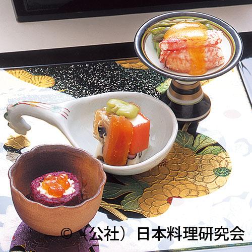 毛蟹黄身クリーム掛け、長芋・もって菊酢浸し、河豚煮凝、唐墨、林檎サーモン巻