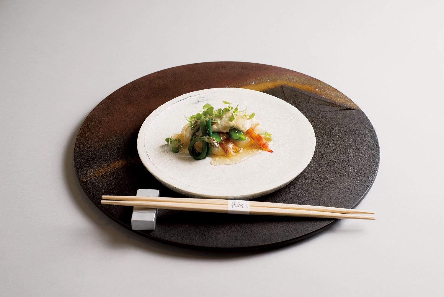 白アスパラ(車海老クリーム、豆腐掛け、スナップ豆、青芽、蕨)