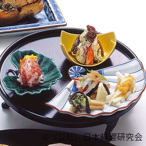 海老・薇緑香和え、鯛塩辛長芋素麺、烏賊・生唐墨和え、細魚・赤貝水前寺海苔