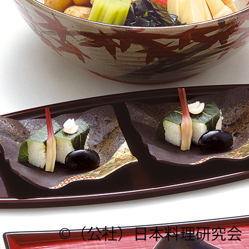 毛蟹押し寿司桜葉包み