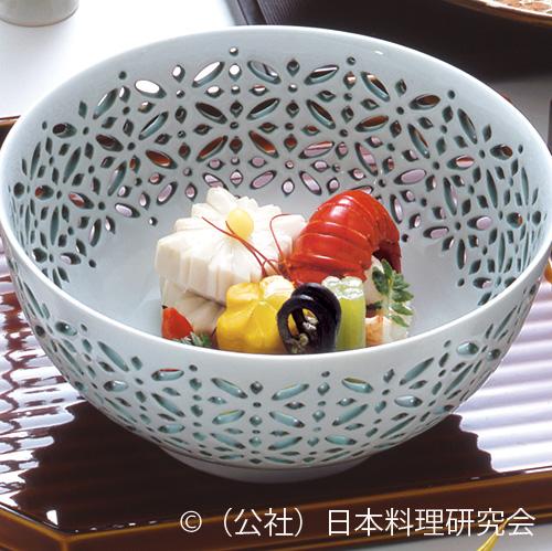 伊勢海老胡麻味噌具足煮、菱桜芋