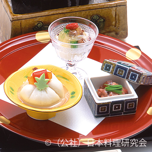 茶巾胡麻豆腐、楓羹、鰹酒盗和え、ちりめん蛸