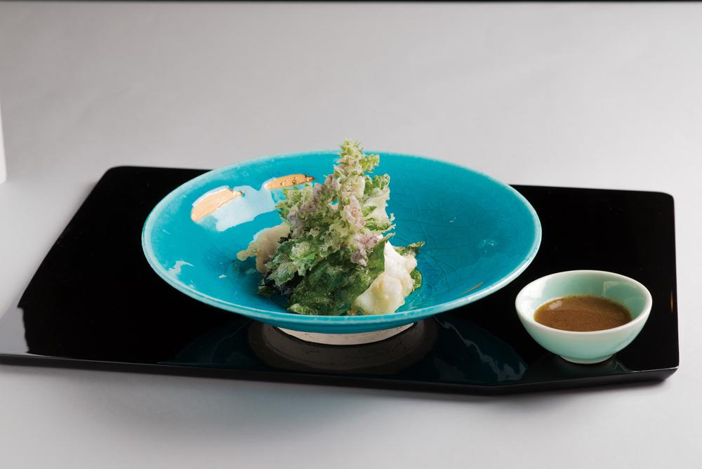 鯛・香味野菜白扇揚(チアシード ドレッシング)