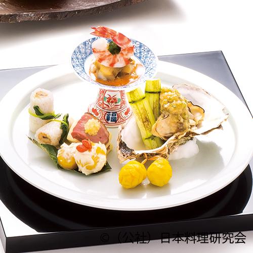 牡蠣山葵味噌掛け、磯香盛り、鴨ロース焼、栗白和え、慈姑松笠、穴子小袖寿司