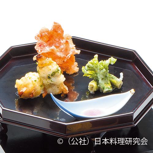 鮎魚女独活巻木の芽揚、桜海老煎餅