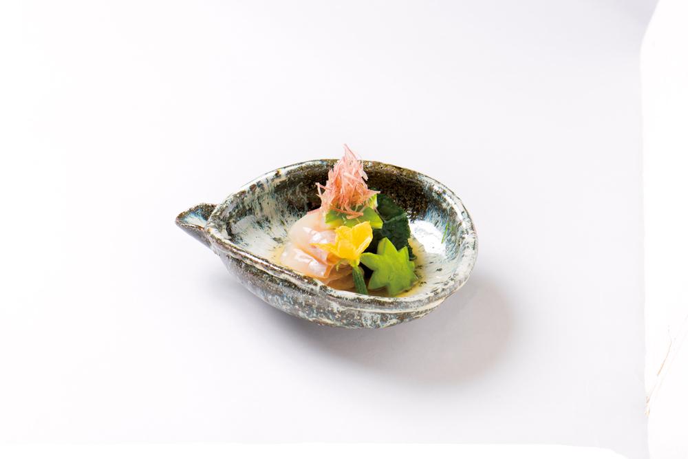 甘鯛昆布〆(大和寄せ生海苔、白瓜昆布〆、花丸胡瓜、針茗荷、昆布酢餡)