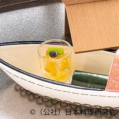 雲丹・芋茎レモンジュレ、針魚笹寿司