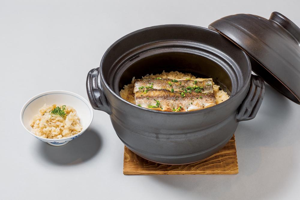 魳釜炊き御飯(長葱、生姜、大葉、浅葱、酢橘、葱油)