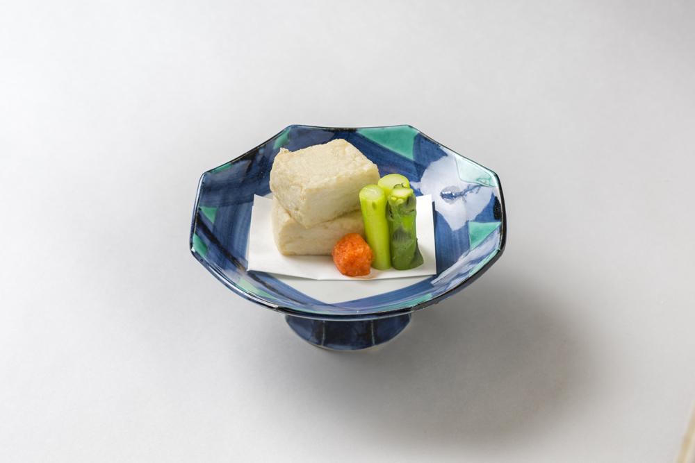 白子豆福揚(アスパラ、葱、赤卸し)