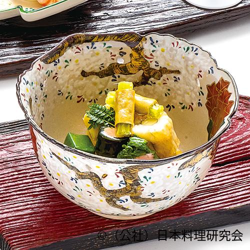筍土佐煮、鮎並真菰茸揚煮、鯛の子芽巻、千両菜種、蓬麩、蕗錦紙巻