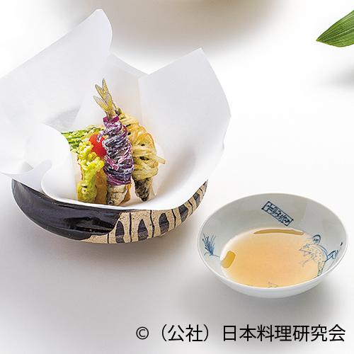 稚鮎糸巻揚(二色)、筍重ね揚