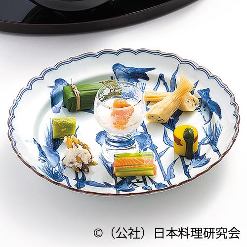 甘鯛つと揚、穴子白瓜辛子漬、鮴白酢和え、氷柱雲丹・長芋、アスパラ・サーモン水晶寄せ、鮎笹焼、新丸十抹茶掛け