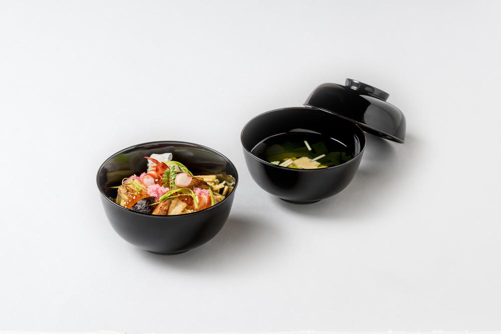 バラ散し寿司(花百合根、海老、煮穴子、さや、木の芽、干瓢、冬菇旨煮、酢蓮根、イクラ)