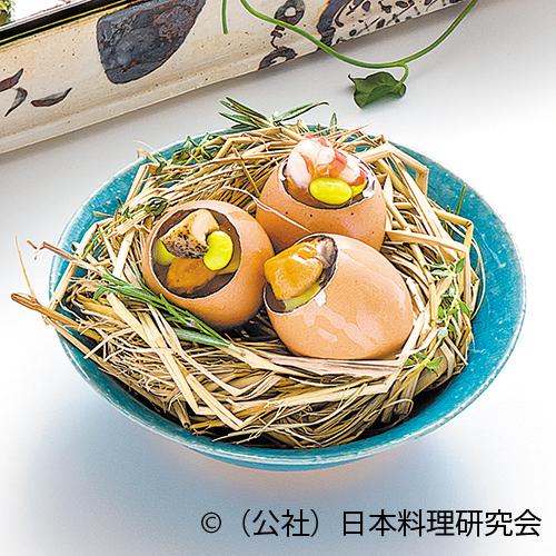 鳥の巣に卵殻ゼリー寄せ、巻海老、つぶ貝