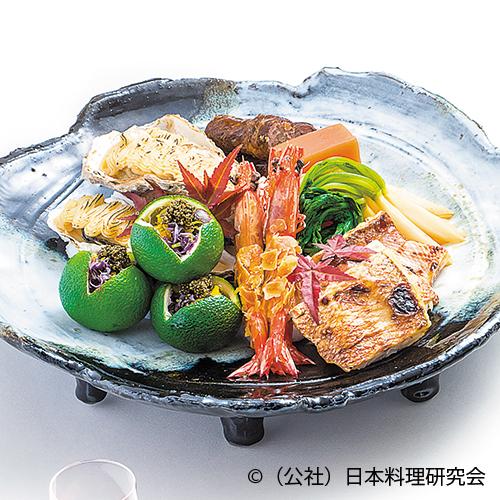 赤鯥西京焼、牡蠣柚香焼、車海老丹波揚、牛八幡巻、菊花浸し(橙釜盛り)