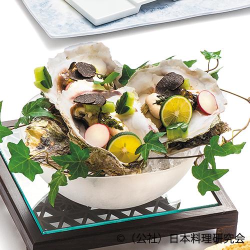 岩牡蠣ワイン蒸し湯葉スープ仕立