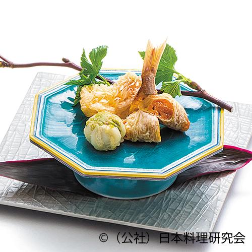 巻海老手綱揚、鯛子道明寺、蚕豆挟み揚、楤の芽白和え、蛤黄身揚