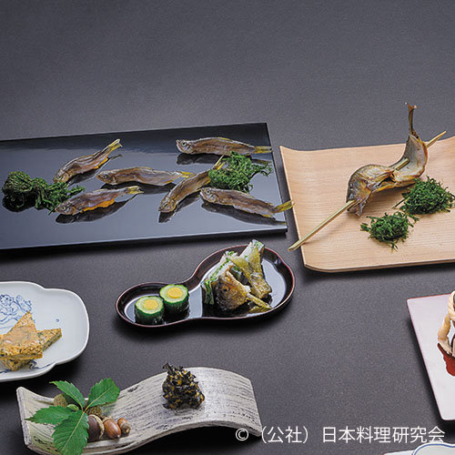 若鮎三色寿し、年魚博多押、香魚蓼干(香魚の話)